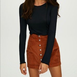 Aritzia - Wilfred - Snap front mini skirt